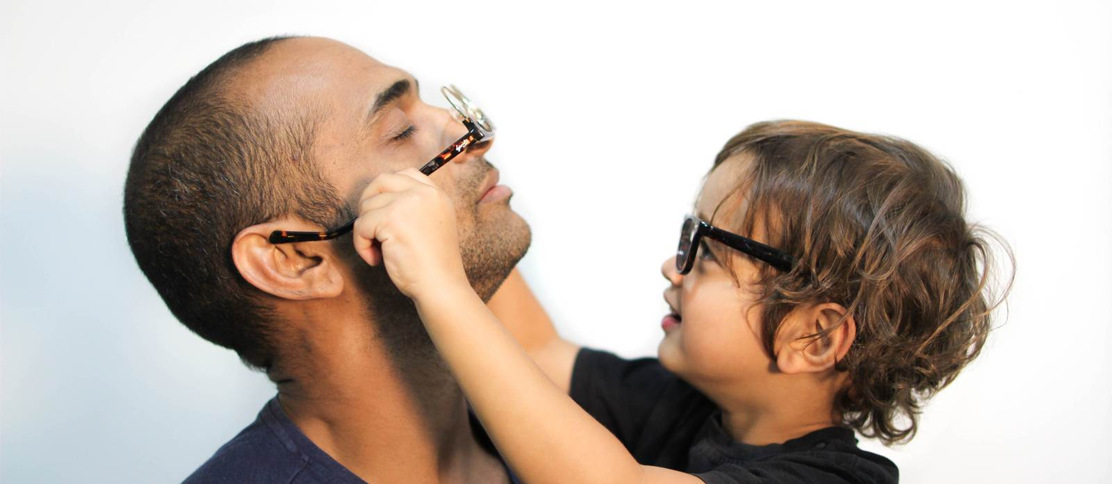 Signs Your Child May Need Glasses | Trends